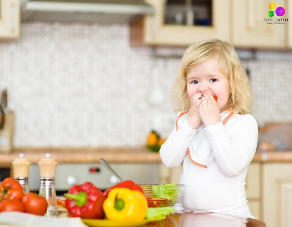 7 Meal-time Tricks to Avoid Sensory Meltdowns | ilslearningcorner.com #sensory